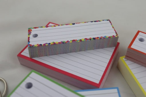 Giftpack150 A7 flashcards 150 Halve flashcards - confetti red